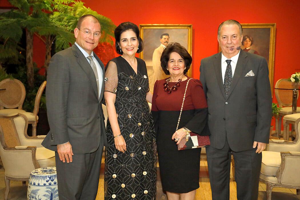 Alex Bolen, Maria Amalia León de Jorge, Gloria de Selman y Eduardo Selman