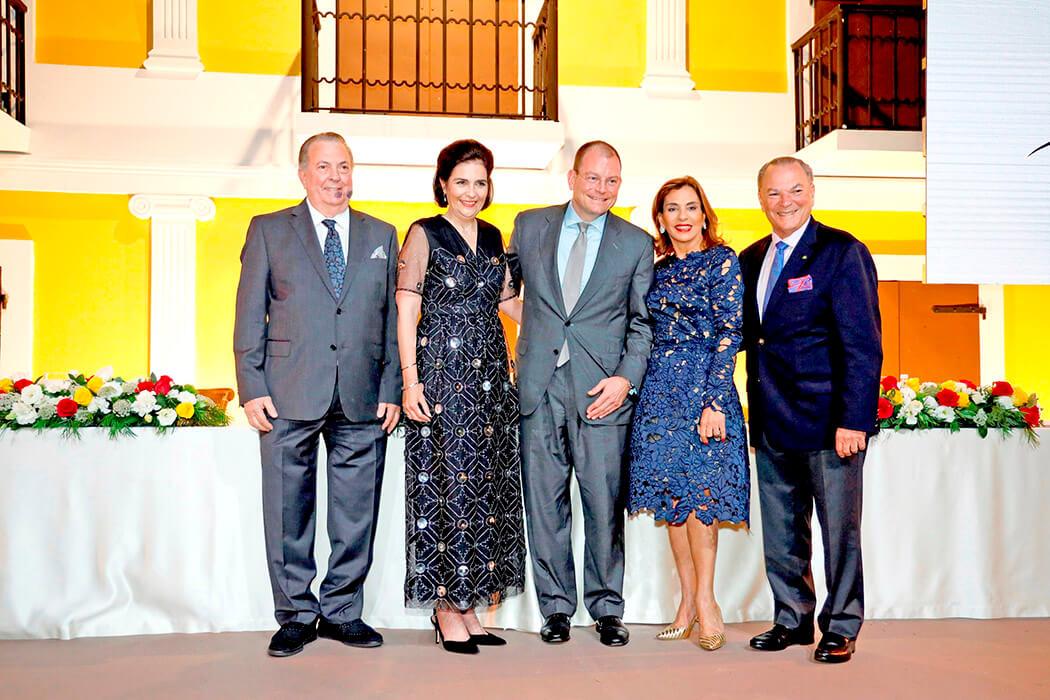 Eduardo Selman, María Amalia León de Jorge, Alex Bolen, Haydée Kuret de Rainieri et Frank Rainieri