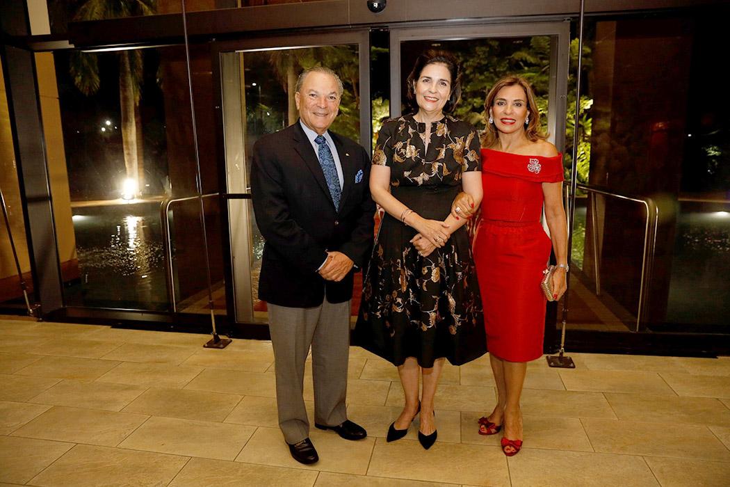 Frank Rainieri, María Amalia León de Jorge and Haydée Kuret de Rainieri