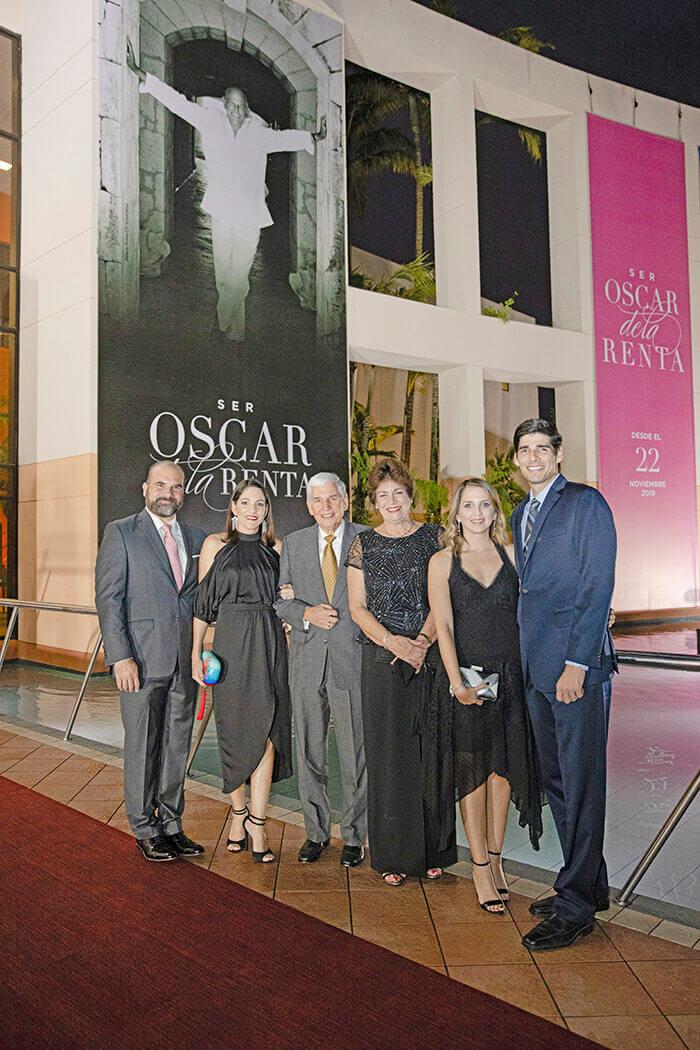 Jesús Feris, María Laura Aguayo, Alfonso Aguayo, Vivian de Aguayo, Carina Azar y Raúl Aguayo