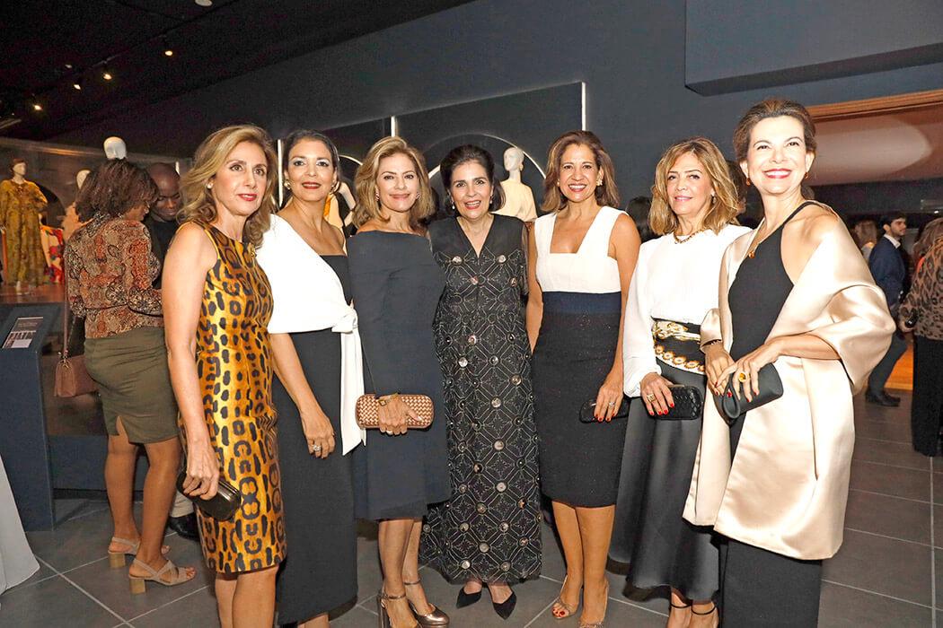 Julissa Lama, Llini de Jorge, Pamen Finke, María Amalia León, Mercedes Capellán, Marina de Haché y Soraya Checo de Alvarez