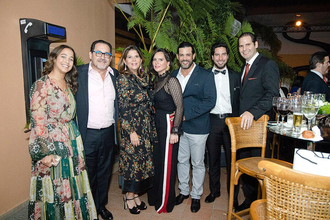 Lorena Cabrera, Luis Manuel León, Vilma de León, Beatriz León, Carlos Abbott, Tommy García y Christopher Backhaus