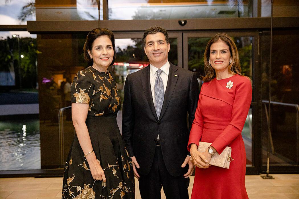 María Amalia León de Jorge, Christopher Paniagua and Sandra Bisonó de Paniagua