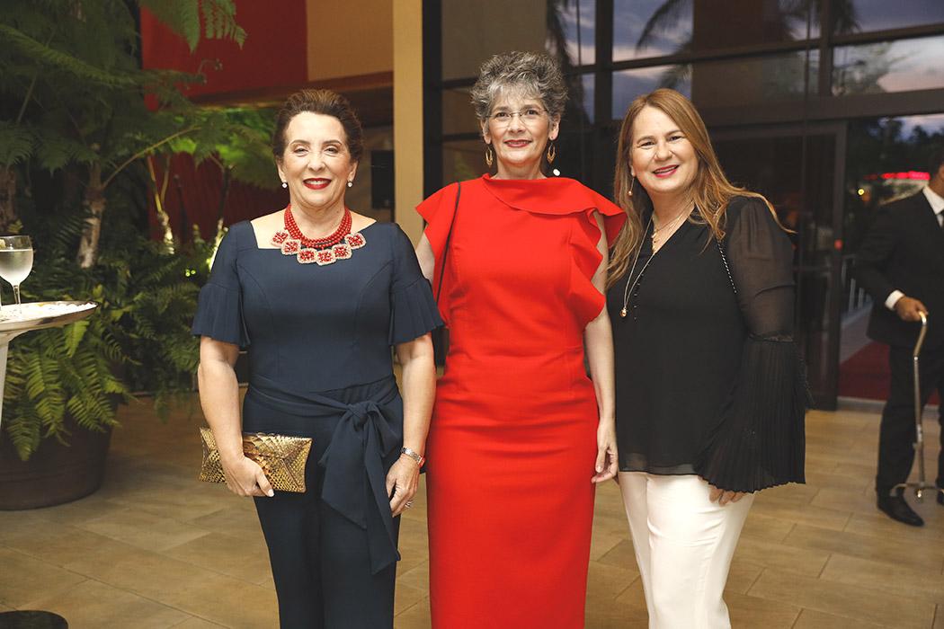 Rosi de Bonarelli, Lidia León and Karina Martínez