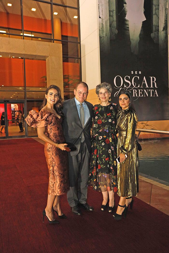 Sara Jorge León, Alex Bolen, Lidia León y Nina Jorge León