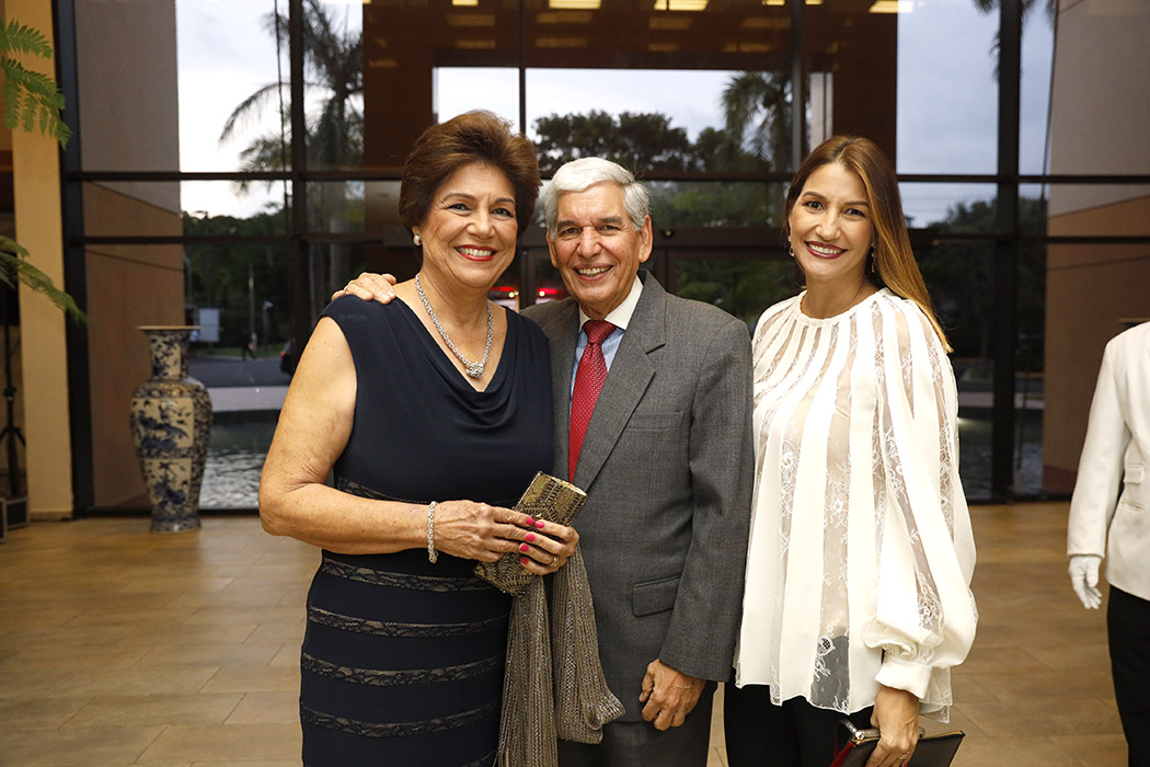 Vivian de Aguayo, Alfonso Aguayo and María Elena Aguayo